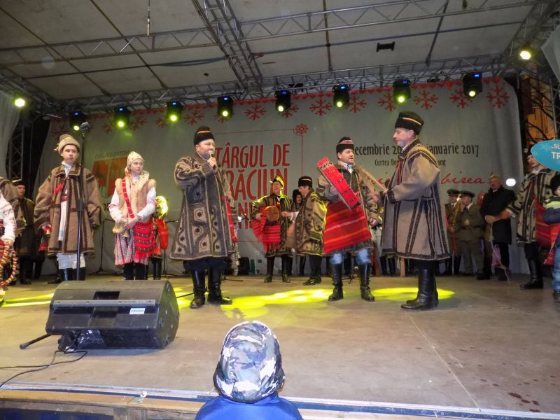 You are browsing images from the article: Festival de datini si obiceiuri Piatra Neamt 2016